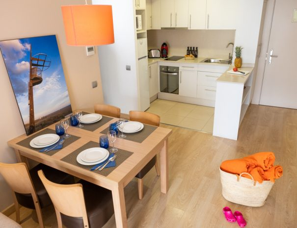 apartamentos_maritim_castelldefels_playa_apartamento_cocina
