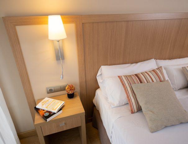 apartamentos_maritim_castelldefels_playa_apartamento_detalle_dormitorio