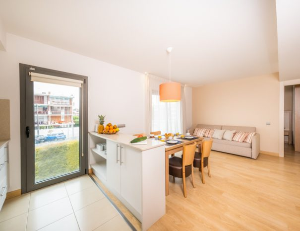 apartamento 2 dormitorios con terraza en castelldefels playa detalle