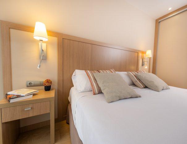 apartamentos_maritim_castelldefels_playa_apartamento_dormitorio