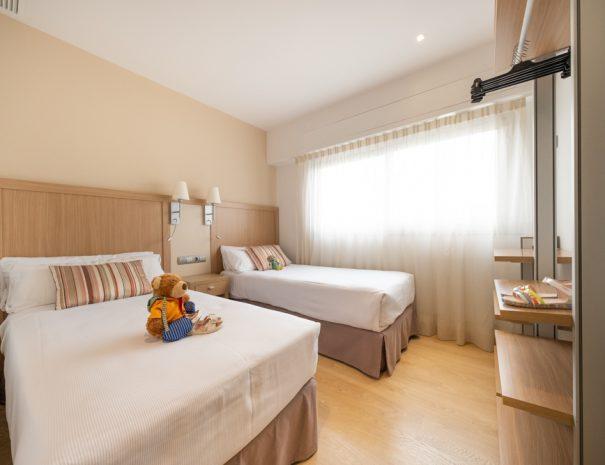 apartamentos_maritim_castelldefels_playa_apartamento_dormitorio_twin