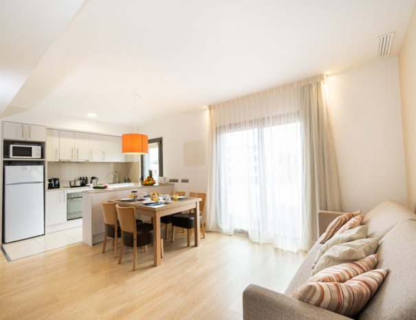 apartamento 2 dormitorios con terraza en castelldefels playa