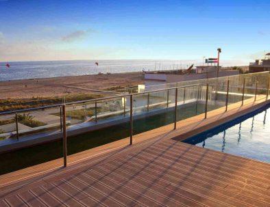 apartaments maritim castelldefels playa piscina